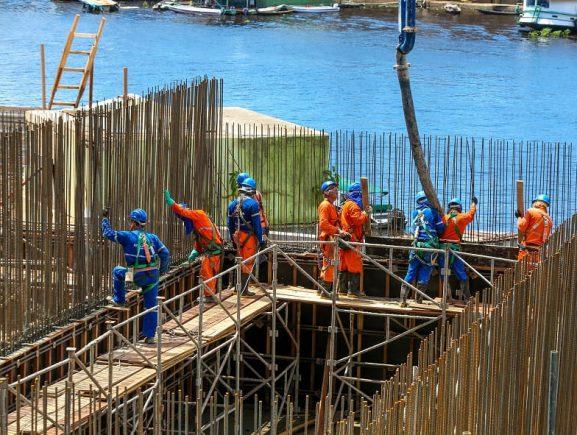 Obras de Estação de Tratamento de Esgoto no bairro Educandos avançam 25%