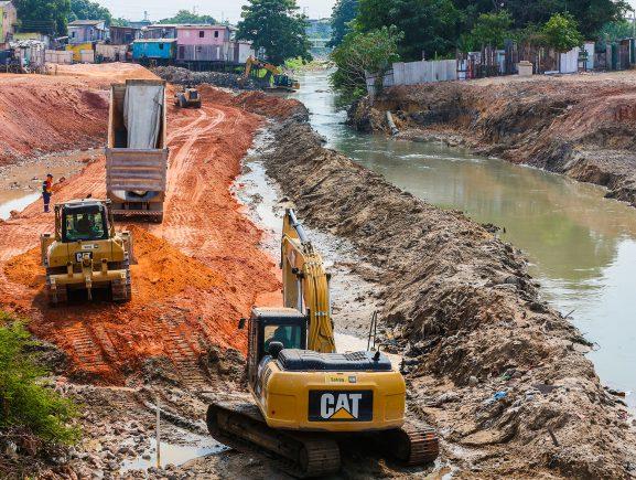 Governo do Estado inicia desvio no Igarapé do 40 para o andamento das obras do Prosamim