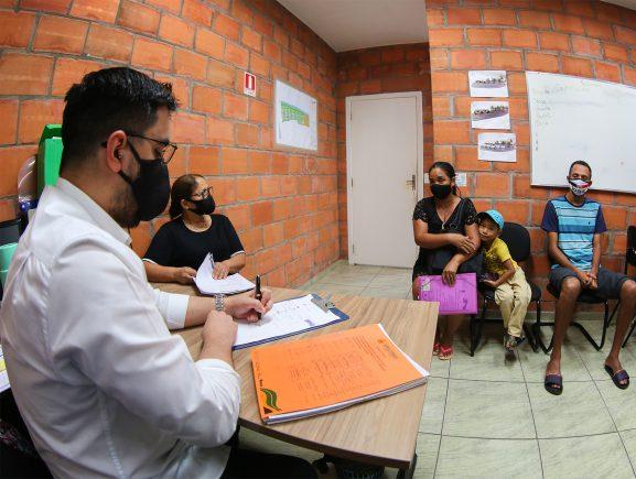 Governo do Estado atua para solucionar conflitos de beneficiários do Prosamim no Igarapé do Quarenta