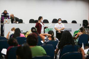 Prosamim e ADCEA iniciam aulas de projeto para capacitar mulheres chefes de famílias