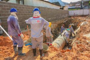 Governo avança com as obras de drenagem no igarapé Mestre Chico